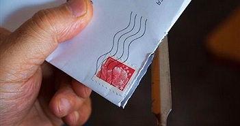Bố mở thư gửi cho con trai 10 tuổi... bị bỏ tù 2 năm