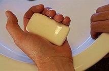 Trung Quốc: Phát hiện xà phòng kháng khuẩn và kem đánh răng gây loãng xương