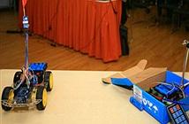 """Sinh viên FPT chế tạo xe ô tô - robot có khả năng """"nghe"""""""