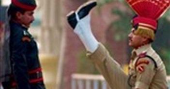 Ấn Độ và Pakistan đình chỉ nghi thức quân sự hàng ngày ở biên giới
