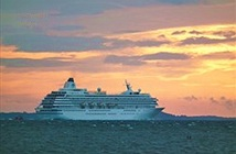 Du thuyền: Hình thức du lịch tàn phá môi trường?