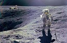 Bức ảnh gia đình nhà du hành vũ trụ trên Mặt Trăng