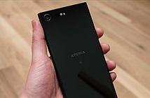 Sony Xperia Z5 Premium với Xperia XZ Premium: Kẻ tám lạng, người nửa cân
