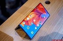 Cận cảnh Huawei Mate X - mẫu smartphone màn hình gập đầu tiên về Việt Nam