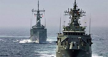 Soi dàn vũ khí tàu chiến Australia đang thăm Đà Nẵng
