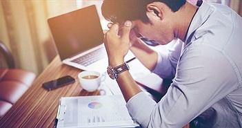 """Dân văn phòng trẻ """"đau đầu"""" vì nhiều chứng bệnh thường gặp"""