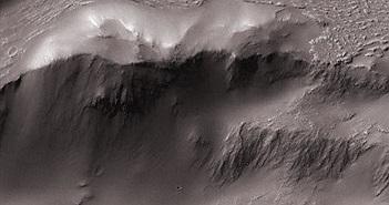 Sửng sốt hình ảnh thác Niagara trên sao Hỏa
