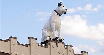 Bức tượng chú chó Nipper lớn nhất thế giới có gì đặc biệt?
