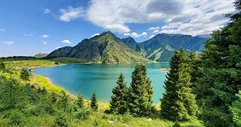 Hồ sâu nhất thế giới trên núi cao, chứa 2 tỷ tấn nước nhưng cá khó sống