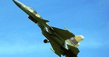 """Hồi hộp xem """"kẻ hủy diệt"""" Su-37 Nga thao diễn"""