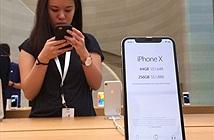 Dân buôn trông chờ vào cánh cửa hẹp để đưa iPhone 12 về Việt Nam