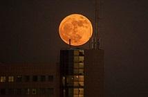 Cùng ngắm chùm ảnh siêu trăng cuối cùng của năm 2017