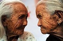 Lạ kỳ chị em sinh đôi xuất giá, qua đời cùng năm