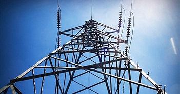 Tiếp xúc dòng điện 11.000 volt, người đàn ông vẫn sống sót kỳ lạ