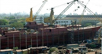 Ấn Độ quyết tâm đóng tàu chiến và tàu ngầm nội địa