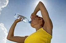 Bí quyết bảo vệ sức khỏe khi làm việc giữa trời nắng nóng