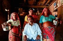 Cuộc đời cơ cực của những người vợ nước ở Ấn Độ