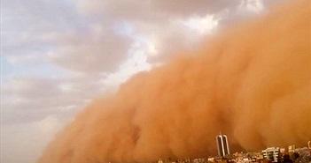 Bão cát màu đỏ nuốt chửng thủ đô Sudan