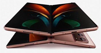 Galaxy Z Fold2 mở hộp ngay trong buổi ra mắt: bản lề mới, màn hình cuốn hút hơn