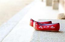 Thú vị lý do giày của người cổ đại thường có mũi hếch