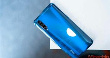 Trên tay iQOO Pro tại Việt Nam: Snapdragon 855+, sạc nhanh 44W, giá 10,5 triệu đồng