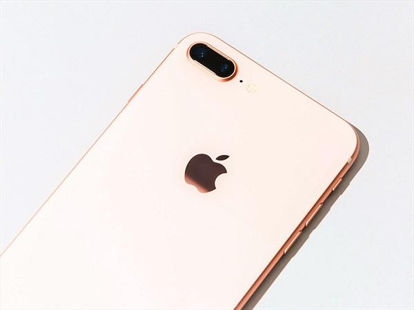 BusinessInsider: Tôi đã thử dùng iPhone 8 Plus và nó làm tôi yêu iPhone 6S hơn nhiều