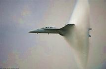Phá vỡ bí ẩn quanh hình ảnh máy bay vượt rào âm thanh