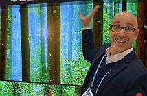 CES 2020: LG giới thiệu TV cuộn xuống từ trần nhà