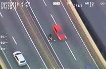 Tên cướp iPhone lao nhầm đường ngược chiều trên cao tốc