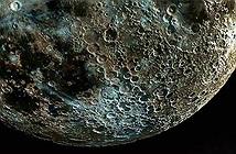 Bức ảnh Mặt trăng chân thực nhất thế giới sắc nét không thua vệ tinh