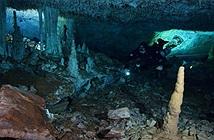 Bí ẩn khoáng vật đỏ và hài cốt người 12.000 năm nơi tử địa khủng long