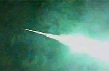 Thiên thạch nổ phát sáng trên bầu trời Nhật Bản