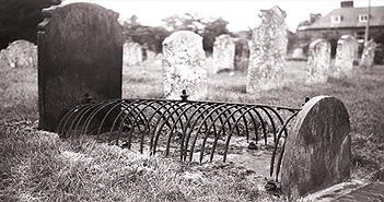 Kinh ngạc quái chiêu chống đào mộ trộm xác của người xưa