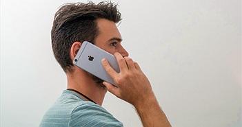 """iPhone """"lệch sóng"""" khi nghe sai tư thế"""