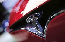 Tính năng tự lái Autopilot trên xe Tesla cứu chủ nhân thoát khỏi tai nạn trong gang tấc