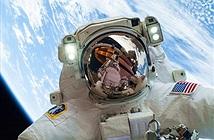 Lý do khiến các phi hành gia bị cấm uống rượu ngoài không gian