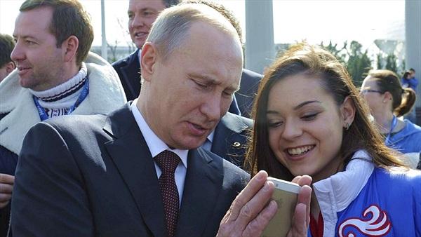 """Nga không quyết nổi nên cấm hay """"tha"""" Skype"""