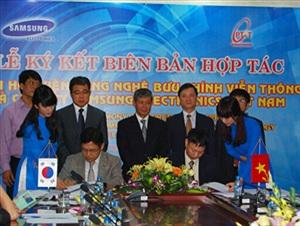 Samsung sẽ trao 25 suất học bổng cho sinh viên PTIT
