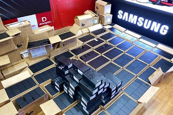 Giá Galaxy S20+ giảm sốc 5 triệu đồng, rẻ hơn cả Galaxy S20