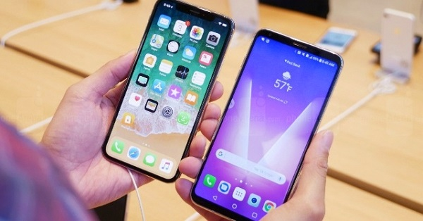 iPhone X và LG V30: Cuộc đua không cân sức
