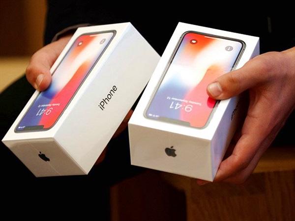 Giá cao, không quà tặng, iPhone X vẫn có đơn đặt hàng cao tại Việt Nam