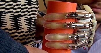 Lần đầu tiên chế tạo thành công cánh tay robot có xúc giác giống người