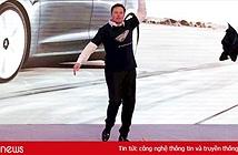 Video Elon Musk cởi áo, nhảy như lên đồng tại Trung Quốc
