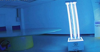 Robot diệt virus bằng tia cực tím