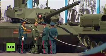 Siêu xe tăng T14 Armata Nga tuột xích lúc tập dượt