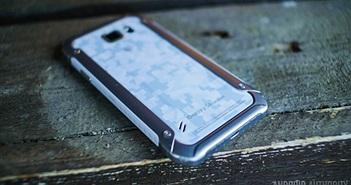 """Những smartphone """"nồi đồng cối đá"""" nhất thế giới hiện nay"""