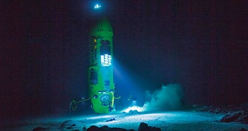 Nhật ký 3 giờ dưới vực Mariana sâu nhất Trái Đất của đạo diễn phim Titanic