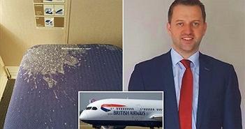 Triệu phú than 'kinh tởm' khi ngồi trên ghế dính bãi nôn suốt chuyến bay
