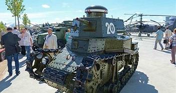 Chiêm ngưỡng loạt xe tăng cổ của Nga mới khoe