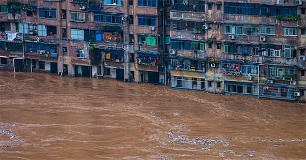 """Những hình ảnh đáng sợ về cơn """"đại hồng thủy"""" ở miền Nam Trung Quốc"""